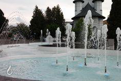 Roundabout fountain Fountain Design, Portfolio Design, Exterior, Mansions, House Styles, Outdoor Decor, Home Decor, Interiors, Mansion Houses