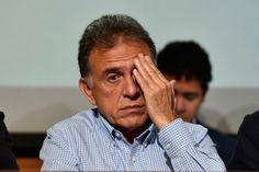 Ante el pesado y acelerado ritmo de trabajo, el gobernador del estado Miguel Ángel Yunes Linares ha sufrido una fuerte recaída en su salud personal.