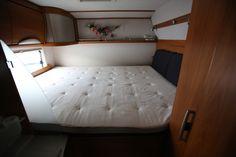 Bruktcaravan - Bobil Bed, Furniture, Home Decor, Decoration Home, Room Decor, Home Furniture, Interior Design, Beds, Home Interiors