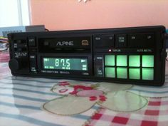 Alpine 7385m 02. Radio con reproductor de Compact Cassette