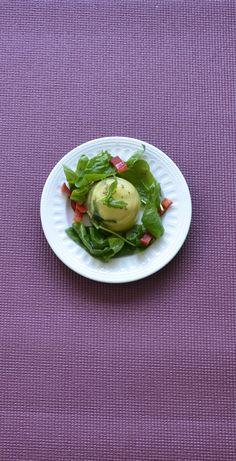 Veganes Kartoffelsülzchen auf Spinatbett