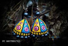 Earrings in terracotta Terracotta Jewellery Designs, Terracota Jewellery, Thread Jewellery, Diy Jewellery, Terracotta Earrings, Doll House Crafts, Silk Thread, Christmas Bulbs, Projects To Try