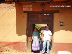 Visita los talleres artesanales en Santa Fe de la Laguna en la Ribera del Lago de Pátzcuaro