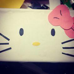 Kam's V-Day box creation #hellokitty #valentinesbox #creative #momisdabomb