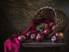 О красных яблоках... - null