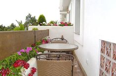 Balkon 22 Colorful Small Balcony Decorating Ideas Increasing Home Appeal – Balkon ideen Small Balcony Design, Small Balcony Decor, Small Terrace, Terrace Design, Balcony Ideas, Balcony Garden, Patio Ideas, Small Balcony Furniture, Simple Bathroom Designs