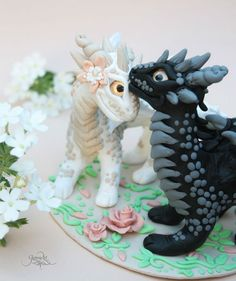 Dragon wedding cake topper - bride groom cake - dragon pair - fantasy - dragon figurine - ooak sculpture - polymer clay - dragon love - fimo art - polymer clay - pastel color - vintage - by GloriosaArt