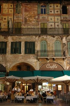 21 pictures that'll make you want to jump on a plane to Italy - Rough Guides - Cafe scene, Verona, Italy