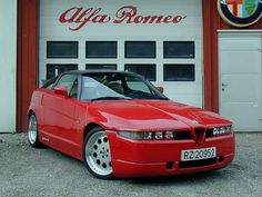 Alfa SZ - Early '90s Styling, looking like '80s Futurism. Om nom nom