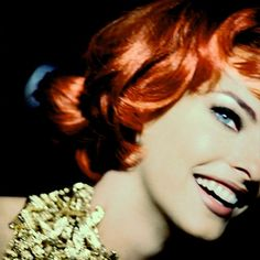 Linda Evangelista, lovely as a redhead