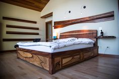 Custom Room Design - this bed is cooler than any I've ever seen!