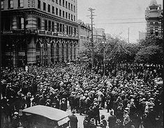 Crowd gathered outside old City Hall during the Winnipeg General Strike, June 1919 New Democratic Party, General Strike, Leaving A Job, Canadian History, Canada, Largest Countries, Old City, World War I, Past