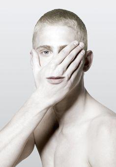 antioco:    (via Le maschere digitali di Giuseppe Mastromatteo)