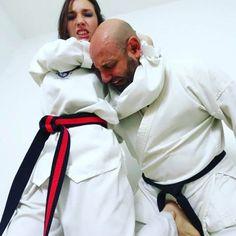 Female Martial Artists, Martial Arts Women, Karate Girl, Girl Fights, Bb, Kicks, Fashion, Women, Moda