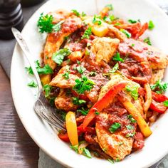 This 20 minute low carb turkey and peppers sauté is Paleo, gluten-free, whole 30 and low-carb, so pretty much everyone can enjoy it!