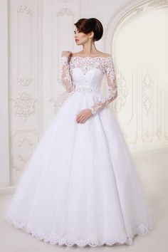 Exquisite Long Sleeves A-Line Lace Wedding Dress Fabric: lace,TulleSilhouette:A-LineHemline/Floor-lengthTrend Collections: 2016 CollectionDry clean. Shipping