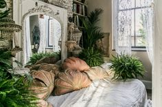 Soft and gentle Boudoir by Sera of London Luxury Interior, Interior Design, Deco Boheme, My New Room, House Rooms, Decoration, Home Decor Accessories, Cheap Home Decor, Room Inspiration