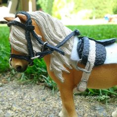 #depeppelhoeven #schleich #schleichpaard #schleichhorse #schleichpferd #tack #saddle #zadel #hoofdstel #horse #horses #pferd #pferden #paard #paarden photo from the peppelhoeven on instagram!