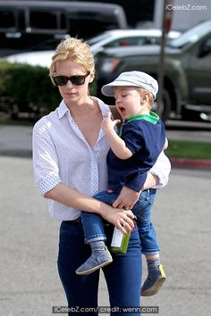 January Jones takes her son Xander for a haircut in Beverly Hills http://www.icelebz.com/events/january_jones_takes_her_son_xander_for_a_haircut_in_beverly_hills/photo1.html
