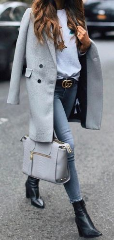 fall outfit ideas / gray coat + denim