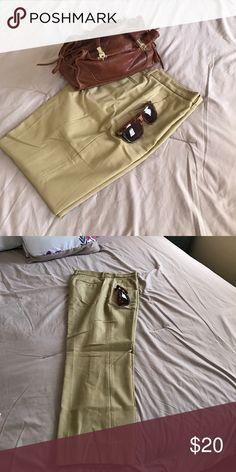 Gap Tailored Crop. Size 12 regular, 97% cotton, 3% spandex GAP Pants Ankle & Cropped
