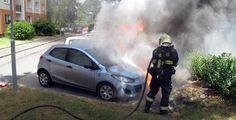 Na Doubravce hořela tři auta