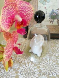 cloche réalisé avec un verre cassé Cloche, Diy, Decoration, Blog, World Animals, Drinkware, Decor, Bricolage, Do It Yourself