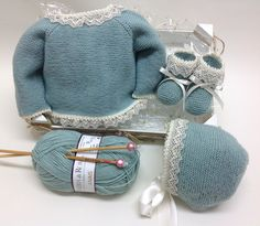 Web Server's Default Page Büschelstäbchen - Diy Crafts Baby Knitting Patterns, Baby Hats Knitting, Knitting For Kids, Knitting Designs, Crochet Baby Jacket, Retro Mode, Baby Coat, Baby Cardigan, Cute Baby Clothes