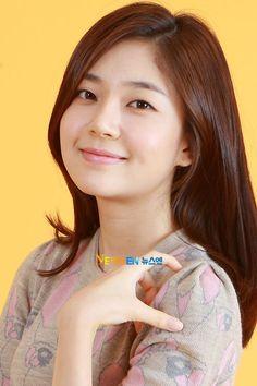 fe its making me stronger,ever. In li Baek Jin Hee, Seo Joon, Korean Actresses, Drama, Park, Twitter, Dramas, Parks, Drama Theater