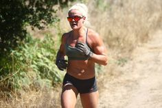 Sara Sigmundsdottir: 2016 CrossFit Games 7km Trail Run
