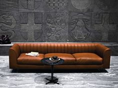 Upholstered leather sofa QUILT by Tacchini Italia Forniture | design PearsonLloyd