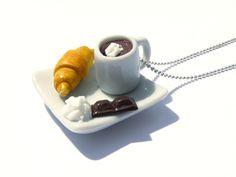 Collier petit déjeuner à la Française http://www.alittlemarket.com/collier/fr_collier_petit_dejeuner_a_la_francaise_croissant_beurre_-10317229.html