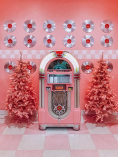 Inside The Museum Of Ice Cream Pinkmas Edition (San Francisco) — This Life Of Travel Vintage Pink Christmas, Pink Christmas Tree, Christmas Photos, Disco Party, Disco Ball, Ice Cream Museum, Christmas Tumblr, Pink Christmas Decorations, Everything Pink