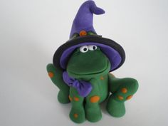 Polymer clay Frog in Witch Hat  Halloween by HelensClayArt on Etsy, $11.95