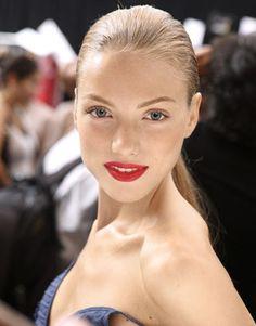 Google Image Result for http://1.bp.blogspot.com/_XeMgRrWRy7Y/TT4VlfOOVXI/AAAAAAAABH8/UfQnccIaTGE/s1600/red-lips-4.jpg