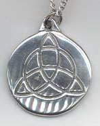 Witches Charm Triquetra Pendant, pewter - Witches and Wizards Pendants | Meta Pot