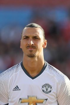 the football is magic Premier League Soccer, Premier League Champions, Manchester United Football, Manchester City, I Am Zlatan, Fc 1, Football Is Life, Soccer Stars, Professional Football