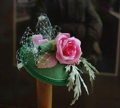 Tocados - Pill Box Rosita menta sombrero verde menta y ro... - hecho a mano por billies en DaWanda