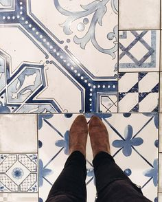 One more from @duckandwaffle - where the floors are almost as pretty as the views!  #floorporn #tile #blue #tiled #boots #tiles #travelbug #tileaddiction #design #flashesofdelight #thatsdarling #ihaveathingfortiles #ihavethisthingwithfloors #fromwhereistand #tileart #blueandwhite #travelingram by thebellevoyage