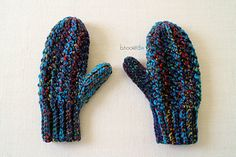 The woven mittens feature one of my favorite stitches, the woven stitch. It's completely unique, unlike any other stitch you've experienced. I love the woven stitch so much, I've decided to make it the central theme for all January 2016 projects.