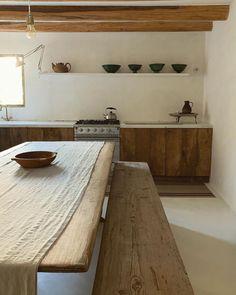 Long Kitchen, Kitchen Sets, Kitchen Trends, Küchen Design, House Design, Interior Architecture, Interior Design, Cuisines Design, Beautiful Kitchens