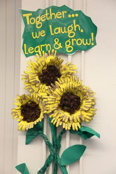 Summer Bulletin Boards For Daycare Discover love this idea---each student printed their hands--the teacher put it together and put it in the classroom. A good class family activity. Summer Bulletin Boards, Preschool Bulletin Boards, Classroom Board, Preschool Classroom, Sunflower Bulletin Board, Fall Classroom Door, Class Displays, School Displays, Classroom Displays