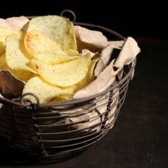 CHIPS PROTEINEES SAVEUR FROMAGE. Les chips au fromage sont désormais autorisées pendant votre régime hyperprotéiné ! Ces chips proteinées au fromage sont parfaites comme en-cas light et rapide. Cliquez http://www.mincidelice.com/fr/p-chips-proteinees-saveur-fromage-p517.html