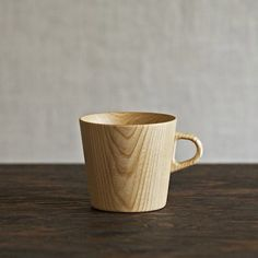 There's something about this mug that gives us a woody. Crafted by hand and designed by Oji Masanori at the Takahashi Kougei wood workshop, the Kami Wood Mug is a touch lumberjack chic with its…