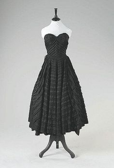 Jean Dessès couture black layered lace and chiffon cocktail dress, Spring-Summer, 1952