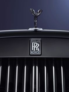 The Rolls-Royce Black Badge turns 'murdering out' into an elegant art form - The Verge Rolls Royce Emblem, Rolls Royce Logo, Rolls Royce Dawn, Rolls Royce Phantom, Ferrari California, Mercedes Sls, Rolls Royce Ghost Black, Rolls Royce Wraith Black, Ferrari F40