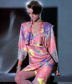 Flora Kung, American Vogue, November Was my favorite dress of the 80s And 90s Fashion, Retro Fashion, Vintage Fashion, Fashion Outfits, Womens Fashion, Nomad Fashion, Fashion Top, Patti Hansen, Lauren Hutton