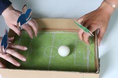 Ce jeu de Fingers football, est très facile à réaliser et plait au petits comme aux grands