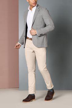 Grey Jacket & Beige Pants is part of Blazer outfits men - Gray Blazer Men, Beige Blazer Outfit, Blazer Outfits Men, Look Blazer, Mens Fashion Blazer, Gray Jacket, Blazers For Men Casual, Casual Wear For Men, Mens Smart Outfits