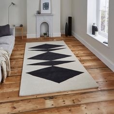 Inaluxe Crystal Palace hand-tufted rugs made with Wool & Viscose. Available today as part of our price-match promise. Eclectic Modern, Modern Rugs, Modern Decor, Black Rug, White Rug, Luxor, Machine Made Rugs, Crystal Palace, Cool Rugs
